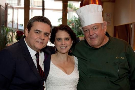 Lídia Brondi com Cássio Gabus Mendes e Max Abdo (Foto: Divulgação)