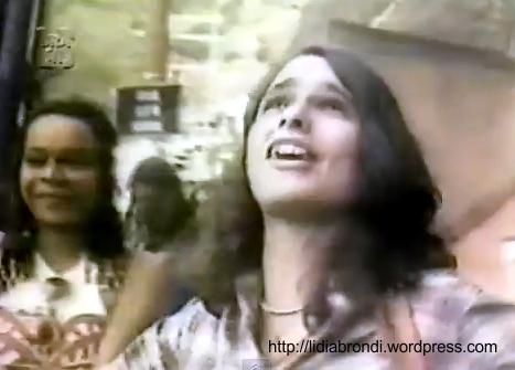 """Lídia Brondi em cena do documentário """"Já que Ninguém me Tira pra Dançar..."""""""